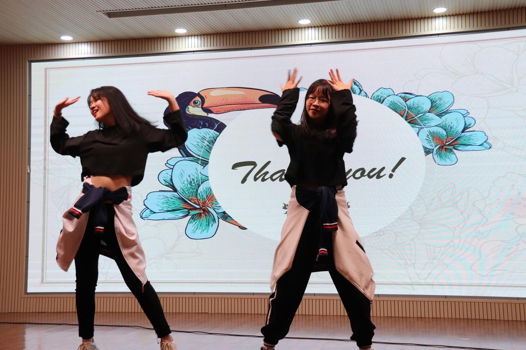 欢聚放歌, 闪耀如星——记公共基础系举办的2019校园学问艺术节之英文歌唱比赛